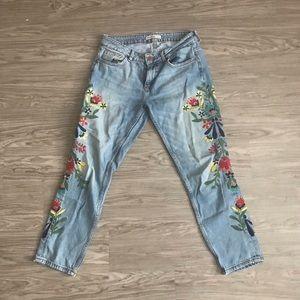 Denim - Zara Flower Embroidered Light Wash Jeans
